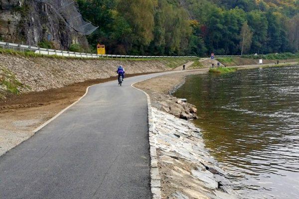 Vrané – Stezka pro pěší a cyklisty